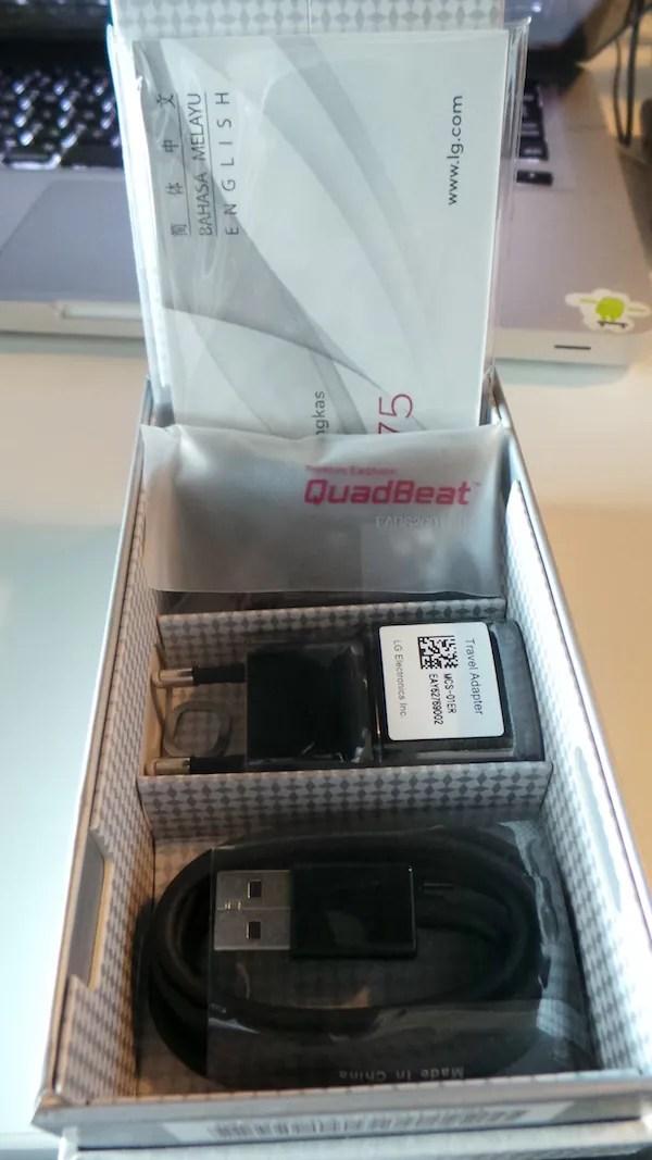 LG Optimus G Unboxing 3