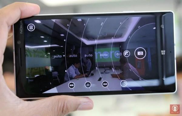 Hands On Nokia Lumia 930 12