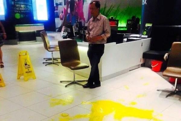maxis-centre-splash-paint 2