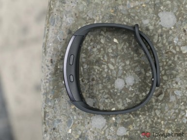 Samsung-GearFit-2-Lightning-Review-IMG_6557