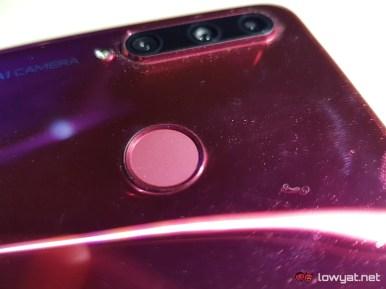 HONOR-20-Lite-fingerprint-sensor