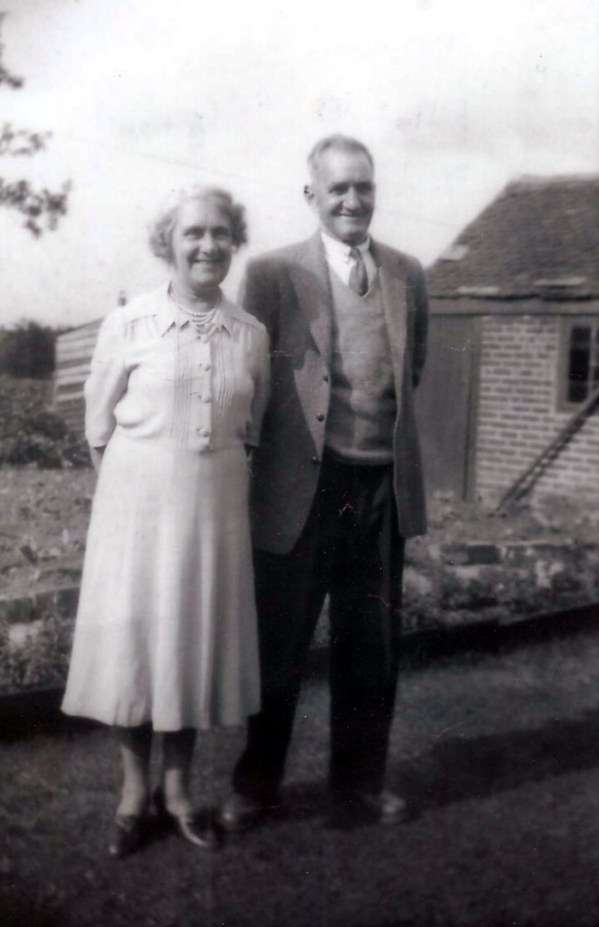 Nathan & Elizabeth in later life. Photo courtesy of Terry Douglas