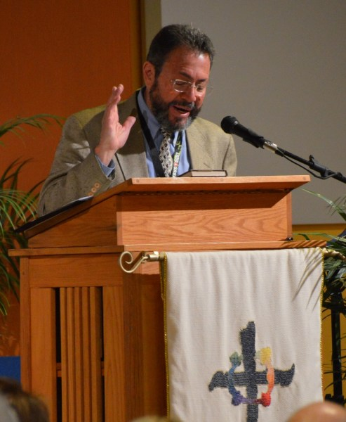 Pastor Guillermo Banuet led the Spanish-language portion of our Grand Opening Dedication service.