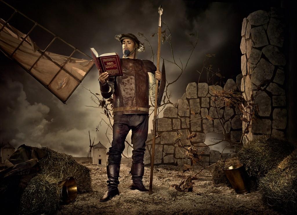 Cauã Reymond é Dom Quixote de la Mancha, personagem criado por Cervantes.