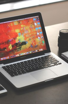 Free Apple Macbook Pro Mockup