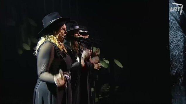 """Eurovizija 2020. """"The Backs"""" – """"Fully"""""""