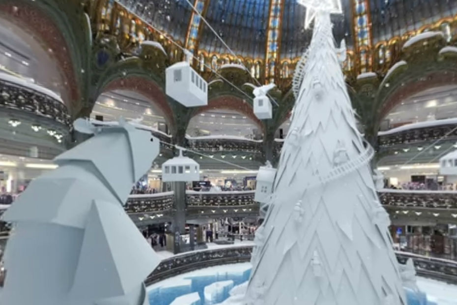 L'application de réalité virtuelle anime les décors de Noël de Galeries Lafayette.