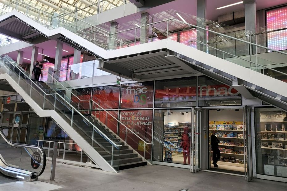 fnac darty deploie 30 boutiques