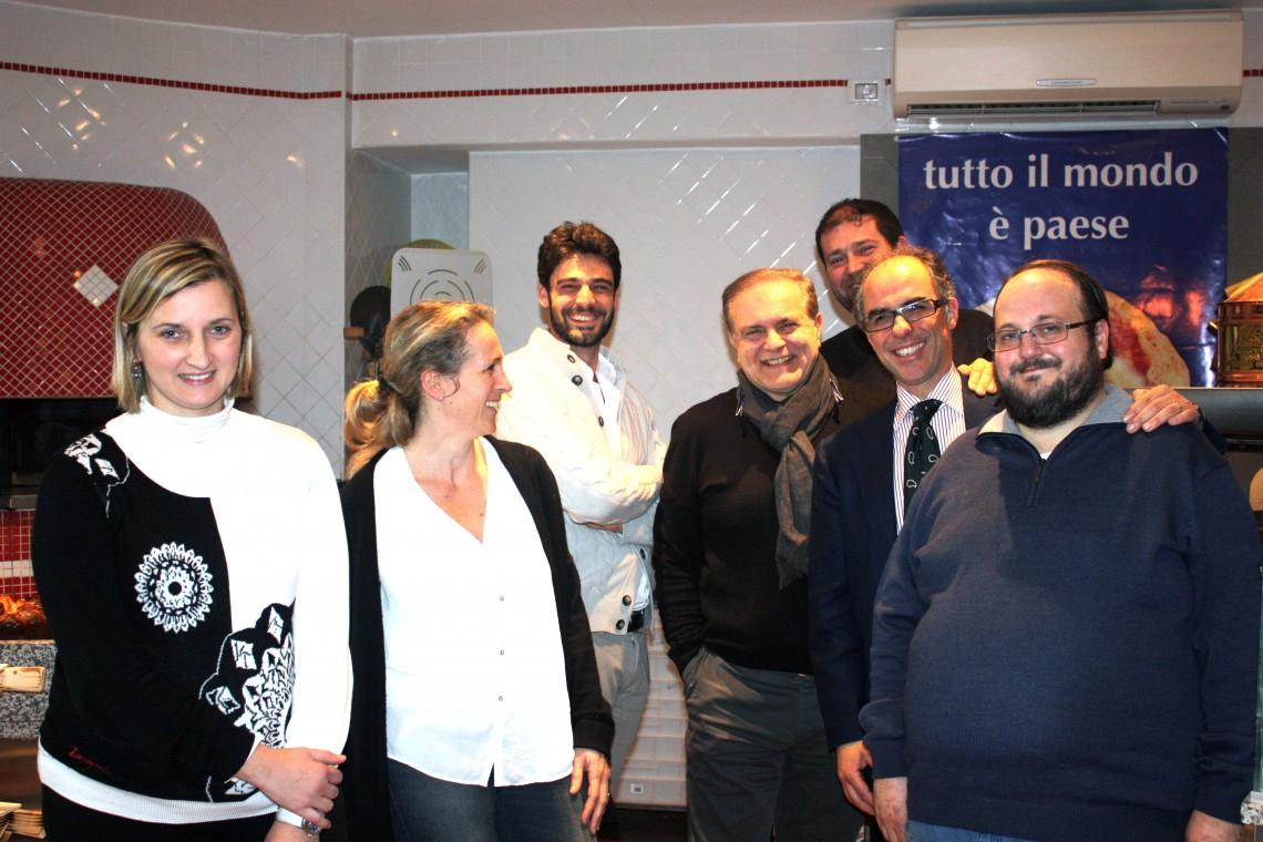 Foto di gruppo con la giuria