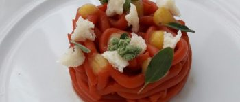 Spaghetti al pomodoro di Michele De Martino per Così Com'è Coltiviamo Talenti
