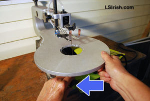 how to change a scroll saw blade