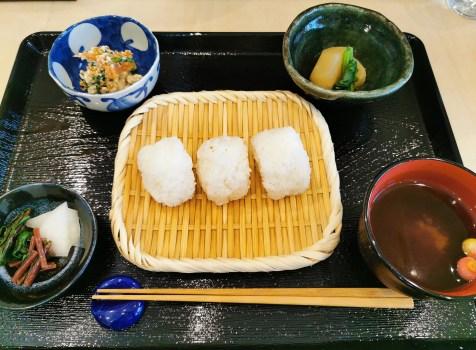 【鎌倉】おこめ天松堂@おしゃれ空間でおむすびとおばんざいと日本酒を楽しむ。