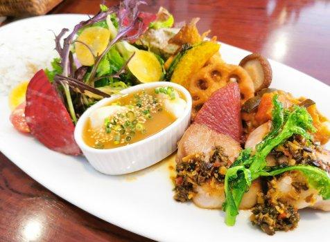 【北鎌倉】カフェメシプーチ@鎌倉野菜たっぷり品数豊富なプレートランチ。ワンコもOK。