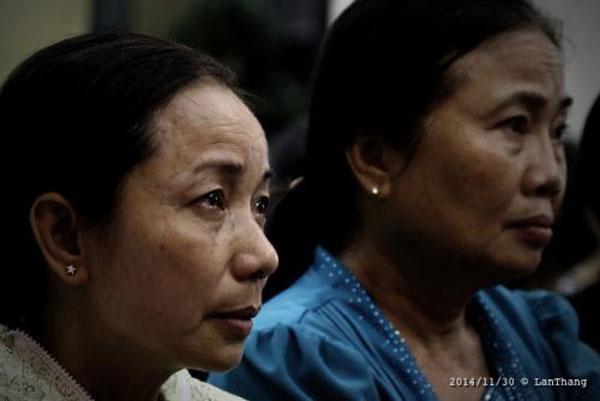 Bà Nguyễn Thị Loan (trái), mẹ Hồ Duy Hải, đã kêu oan cho con mình kể từ đầu vụ án. Ảnh: Nguyễn Lân Thắng