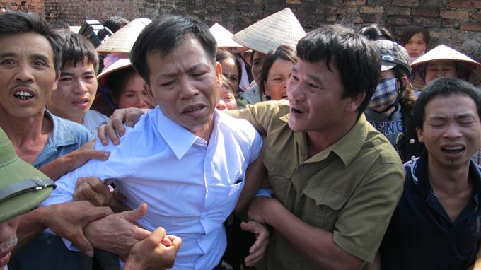 Bức ảnh (không rõ nguồn) này ghi lại cảnh ông Nguyễn Thanh Chấn trong ngày trở về với gia đình, 4/11/2013