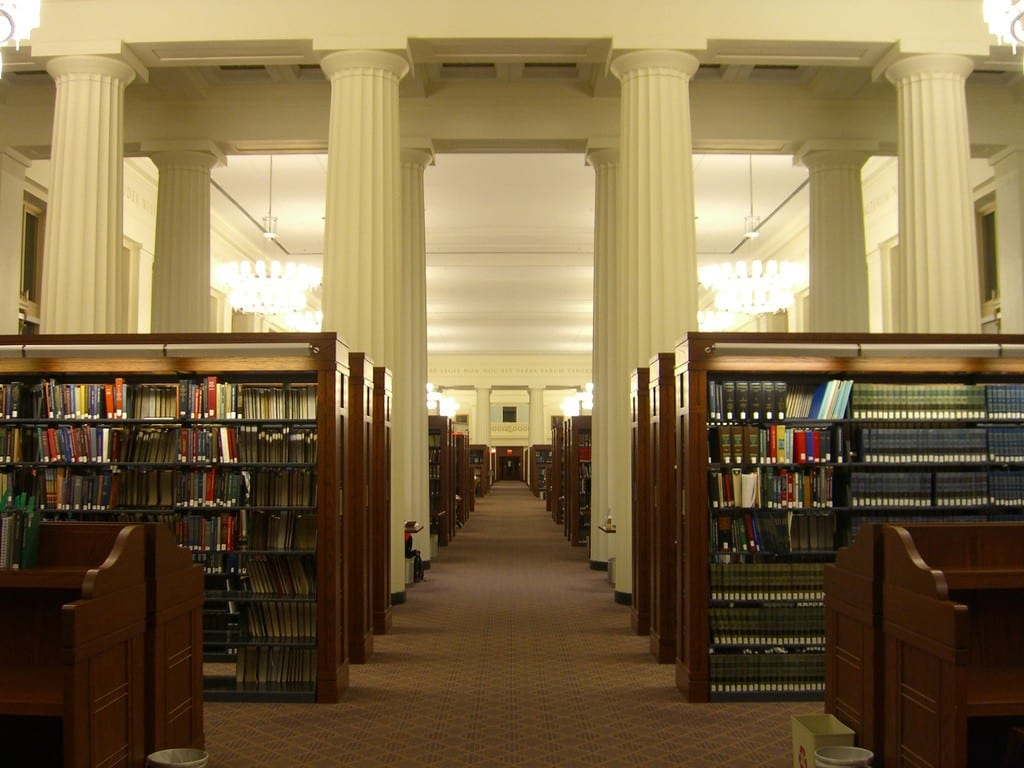 Thư viện Langdell Hall của trường luật Harvard (Nguồn ảnh: cambridge.com)