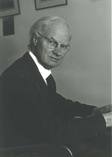 Giáo sư Glanville Williams (Nguồn hình: elsareview.org)
