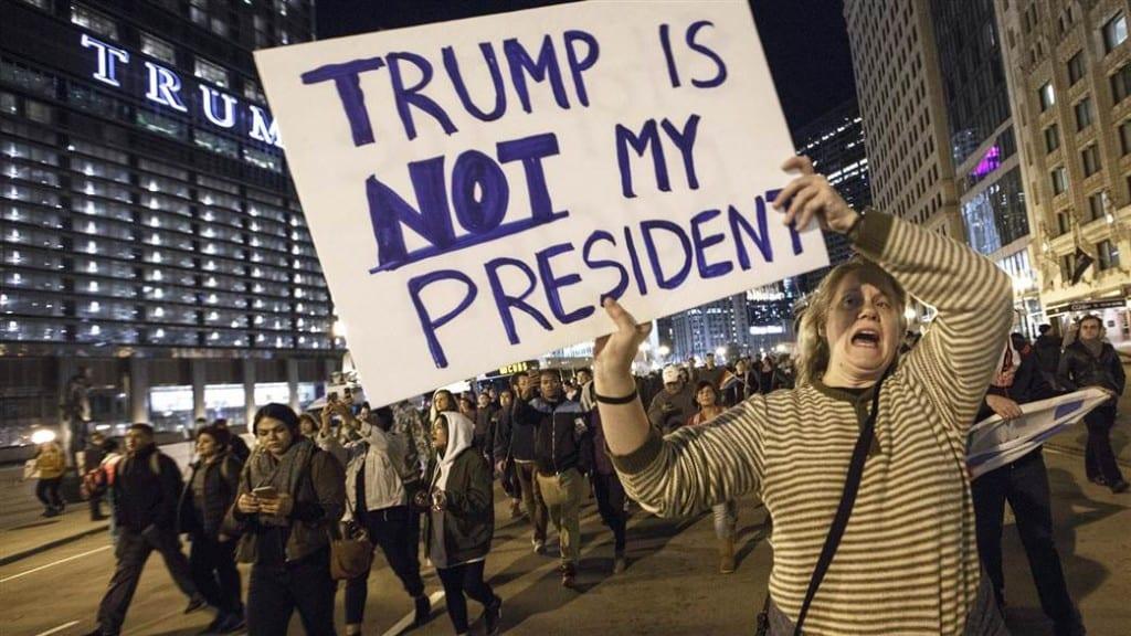 Phong trào phản đối Tổng thống tân cử Donald Trump vẫn chưa có dấu hiệu thuyên giảm. Ảnh: Today