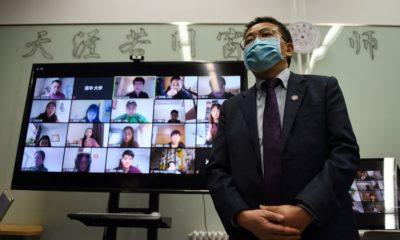 Một lớp học trực tuyến do Đại học Thanh Hoa (Bắc Kinh) tổ chức cuối tháng 2/2020 trong một nỗ lực đối phó với coronavirus. Ảnh: GREG BAKER/AFP VIA GETTY IMAGES