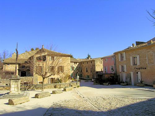 Oppde Village De Charme Du Luberon Luberonweb