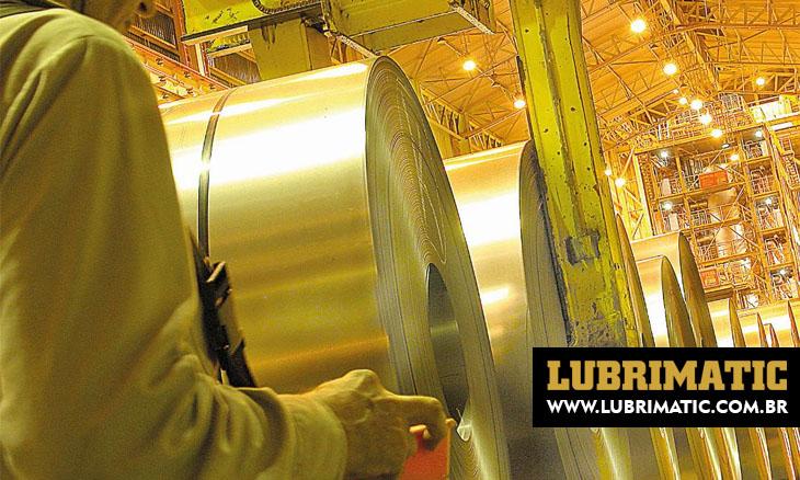 Como acontece a produção do aço nas siderúrgicas, quais suas finalidades e como isso ajuda a economia