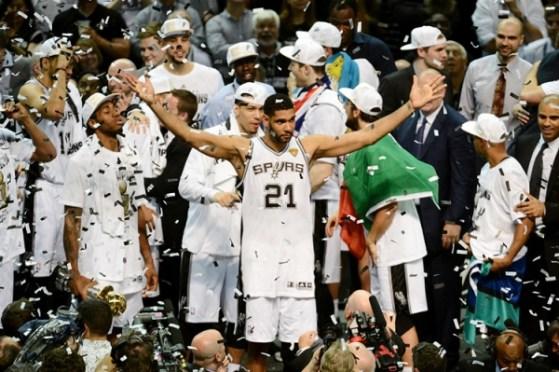 Quel pezzo di tricolore sul podio delle finali NBA