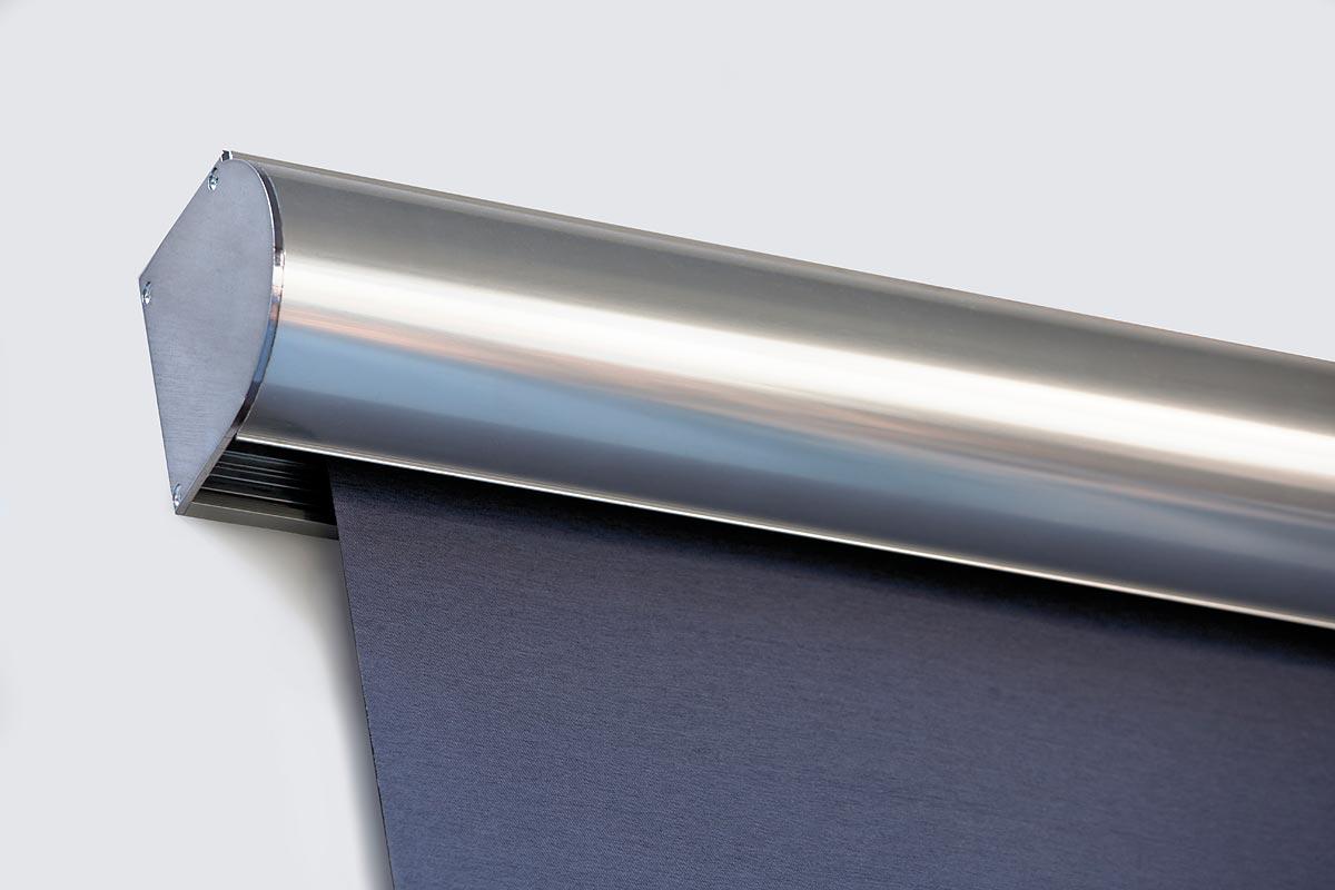 L'ampia gamma di accessori consente soluzioni e scelte di manovra differenti, manuali (catena, molla, argano) o motorizzate. Tende A Rullo Per Esterni Ed Interni Sonnex Cool Living