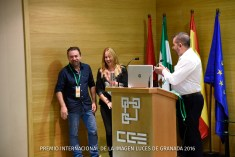 Presentación de Onírica fotógrafos por parte del Presidente de Agrafi Jose Luis Pozo Abril.