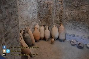 copy_Pompei - scavi - dettaglio anfore