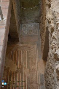 copy_21_Pompei - scavi - dettaglio rovine