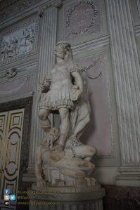 Reggia di Caserta - Appartamenti reali - dettaglio statua