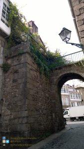 Santiago de Compostela - arco tipico