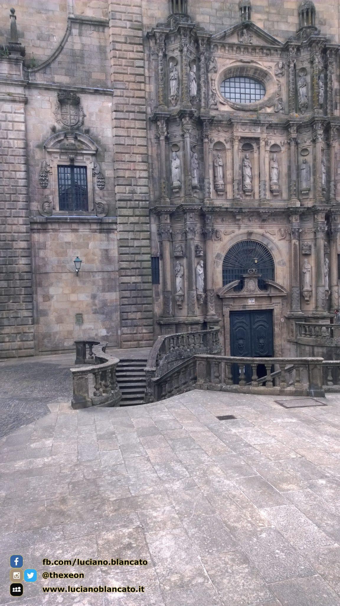 Santiago de Compostela - ingresso chiesa