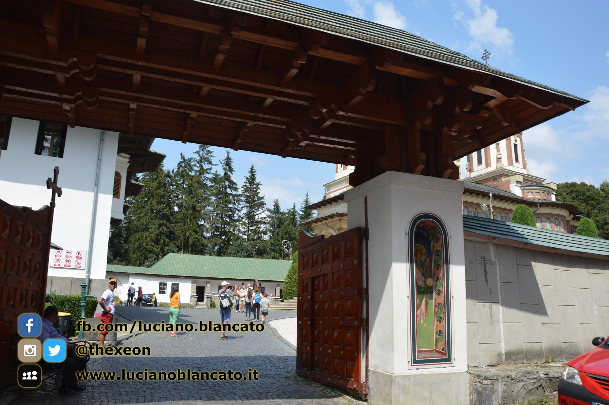 copy_Bucarest - Mănăstirea Sinaia