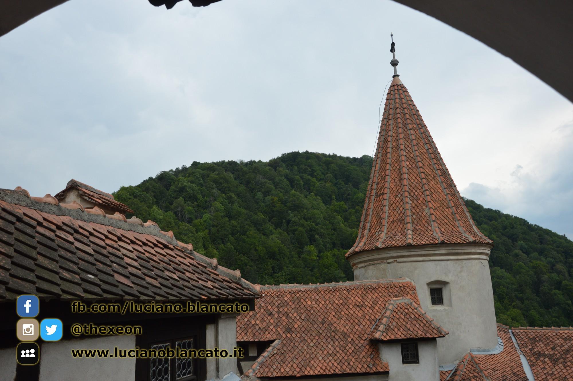 copy_7_Bucarest - Castello di Bran - Cortili interni