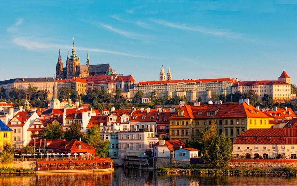 Praga, vista della collina / castello / cattedrale di San Vito
