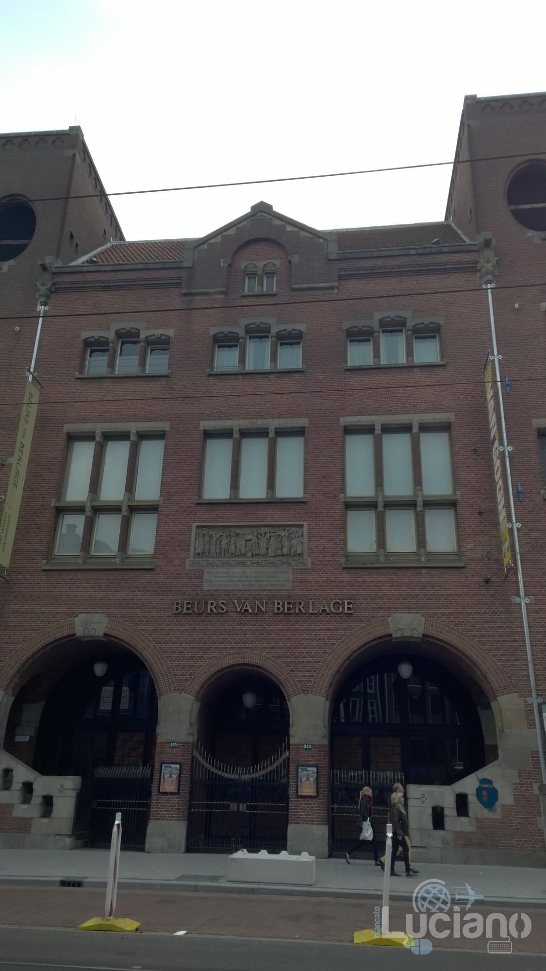 amsterdam-2014-vueling-lucianoblancatoit (71)