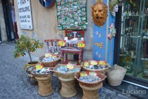 bancarella di prodotti tipici/turistici siciliani, durante i festeggiamenti per Sant'Agata 2019 - Catania (CT)