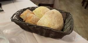 Trattoria Catania Ruffiana - Cestino di pane casereccio catanese
