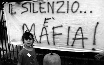 La camorra, si, è un elemento costitutivo di Napoli