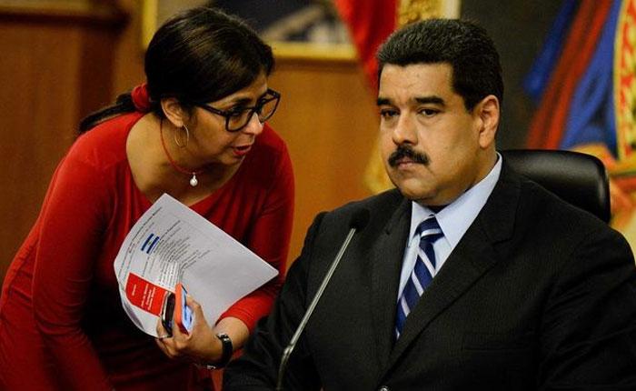 Venezuela: Maduro dice que podría tomar armas