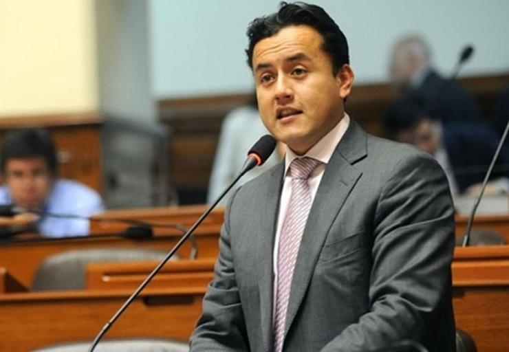 Postergan por tercera vez sesión del levantamiento de inmunidad — Richard Acuña