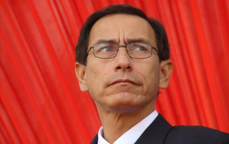 Martín Vizcarra llegó a Lima en medio de crisis en el Gobierno