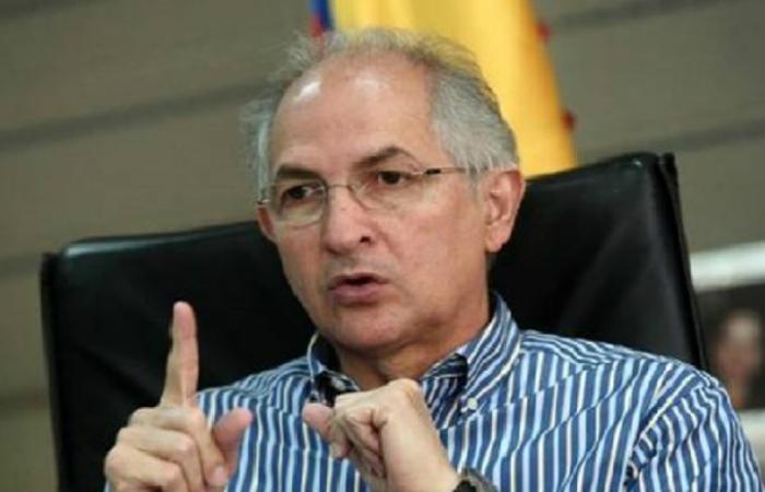 Ledezma llega a Perú para reunirse con Pedro Pablo Kuczynski
