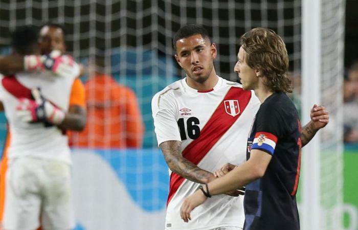 Sergio Peña llegó a Lima tras quedar fuera de la Selección Peruana