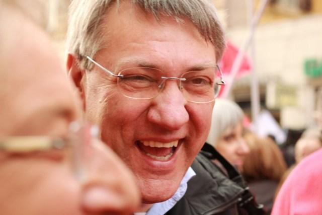 Maurizio Landini che sorride