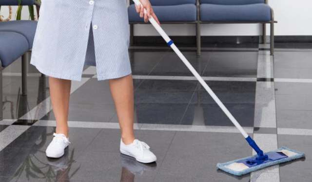"""""""You are not better than the cleaner"""" - Woman writes scathing note to her manager as she resigns after 35 years as bank cleaner"""