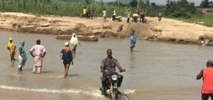 Man dies while helping motorcyclists cross river in Ibadan