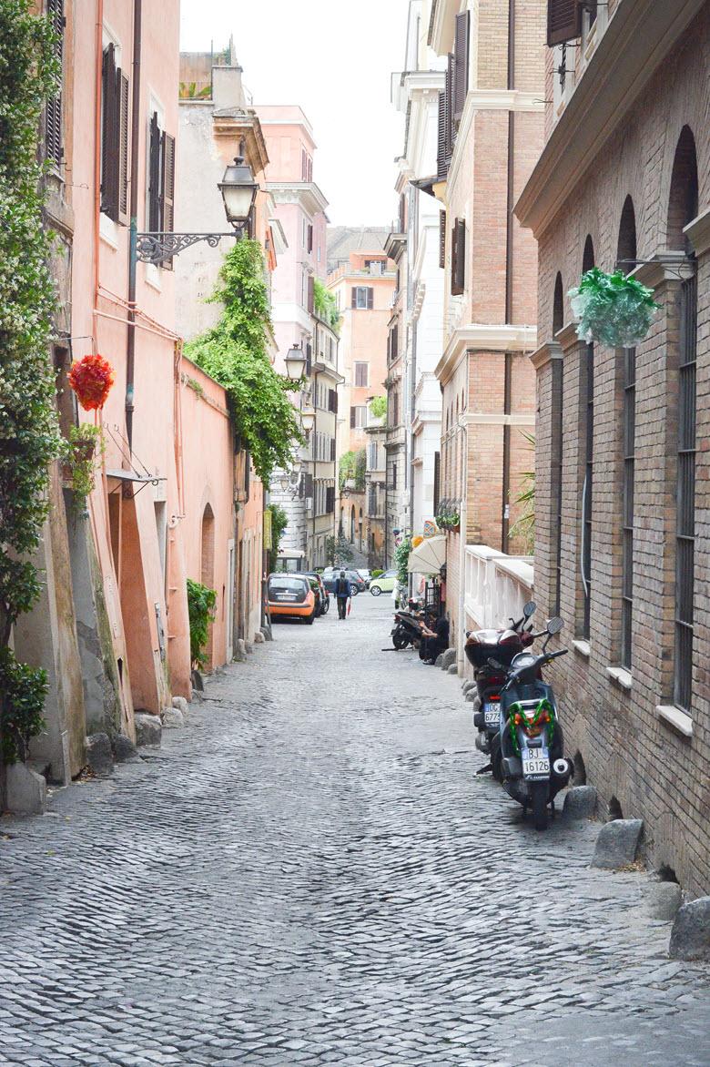 Roaming Rome :: Like the Romans