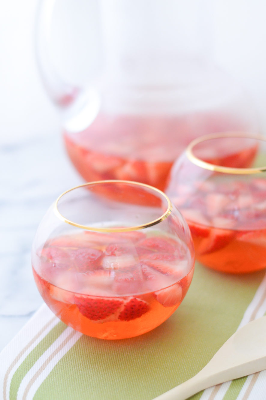Strawberry Sangria w. White Wine